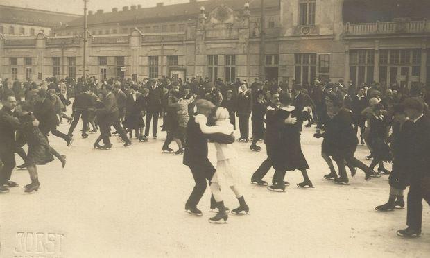 Die Tradition des Rundtanzens ist in Wien gut 150 Jahre alt. (Bild aus den 1920ern.)