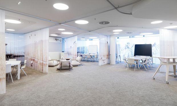Das Grazer Architekturbüro Innocad gestaltete das Creative Lab der ÖBB in Wien als offenen, flexiblen und multifunktionalen Raum.
