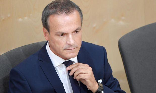 Finanzminister Eduard Müller warnt