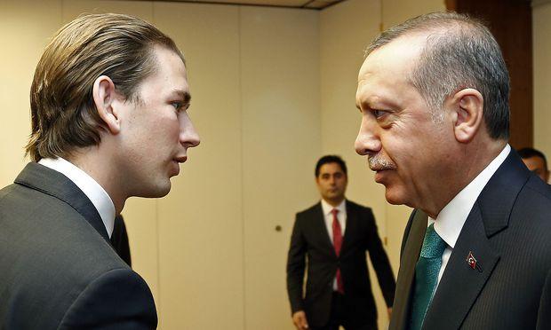 Türkischer Minister attackiert Gabriel via Twitter