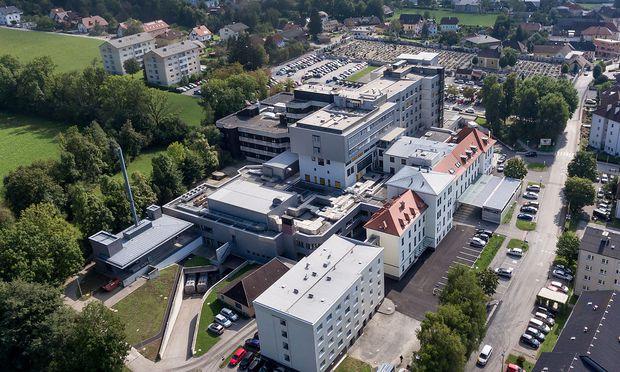 Das Landeskrankenhaus Kirchdorf in Oberösterreich auf einem undatierten Archivbild.