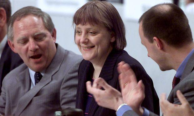Ein Bild aus dem Jahr 2000: Wolfgang Schäuble, Angela Merkel und Friedrich Merz.