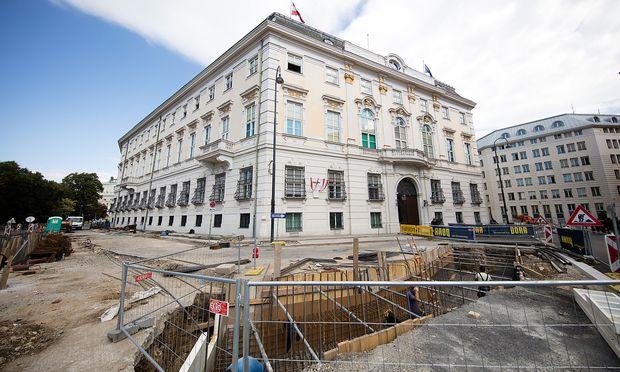 Baustelle vor dem Bundeskanzleramt