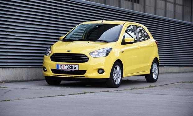 Bescheidenheit ist eine Zier: Ford Ka+ in Sahara-Gelb, andere Farben kosten extra.