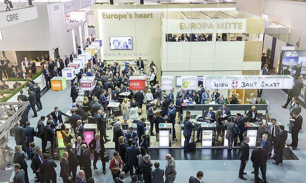 """Der Gemeinschaftsstand """"Europa Mitte"""" versammelt zahlreiche Key-Player der heimischen Immobilienbranche."""