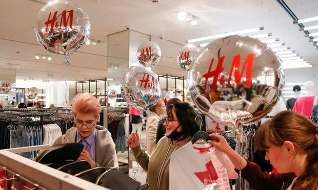 Gewinneinbruch - Modekette H&M bleiben die Kunden weg