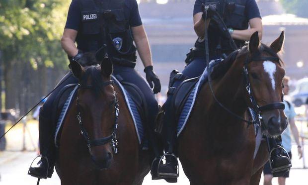 Symbolbild: Berittene Polizei