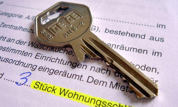 Anwälte dürfen gegen Provision Immobilien vermitteln.