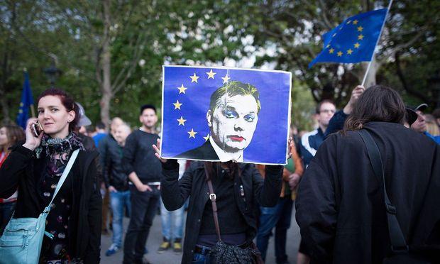 Anti-Orban-Proteste. / Bild: imago/Michael Trammer
