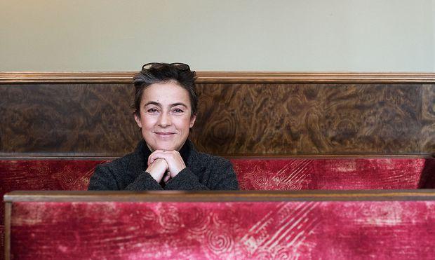 Mercedes Echerer: Rumänisches Roulette ist von allem etwas. Begleitet werde ich von zehn hervorragenden Musikern.