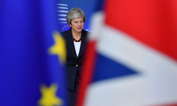 Theresa May - zwischen EU und Großbritannien
