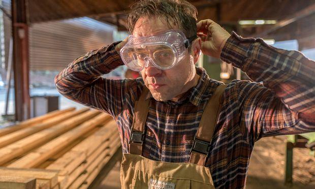 Arthur (Jan Josef Liefers) nimmt sein Leben selbst in die Hand – und schon ist diese ab.