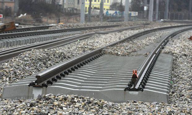 Symbolbild: Schienenverlegung am Wiener Hauptbahnhof