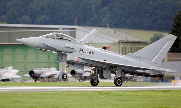 Eurofighter: Entscheidung über Anklage soll 2018 fallen