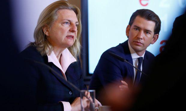 Russland weist Dutzende Diplomaten aus - Konsulat wird geschlossen