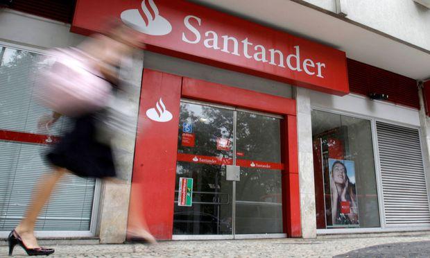 Gegen die spanische Großbank Santander laufen Ermittlungen