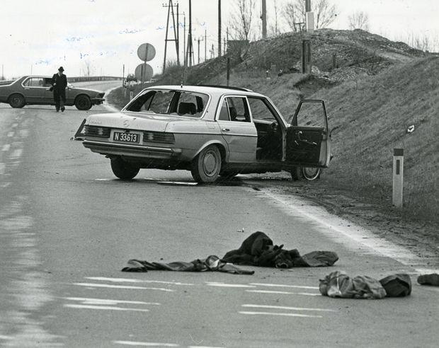 Das gestohlene Auto der Terroristen auf der B9