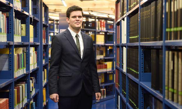 Matthias Zußner forscht zu Datenschutz und wirtschaftlichem Wettbewerb sowie zu Fragen des freien Verkehrs nicht personenbezogener Daten.