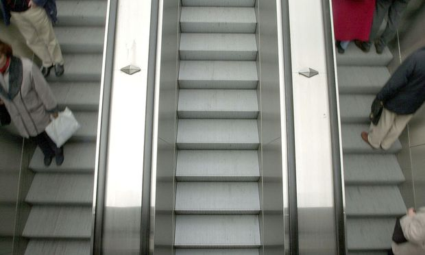 Rolltreppe gestuerzt Kein Schadenersatz