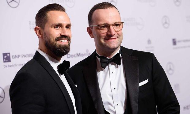 Jens Spahn (rechts) mit seinem Partner Daniel Funke.