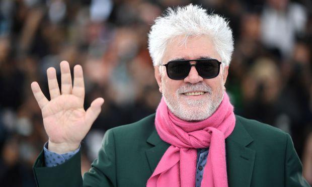 Wenn er nicht gerade an einem Film arbeitet, ergibt sein Leben keinen Sinn, sagt Pedro Almodovar. Er sei geradezu süchtig nach Filmen.