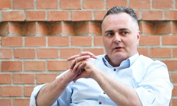 Die SPÖ in der Oppositionsrolle? Anfangs habe man sich zu sehr in Einzelgefechte verstrickt, findet Hans Peter Doskozil.