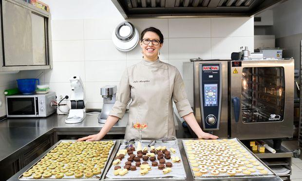 """""""In jedem Ort gibt es ein, zwei Hochzeitsbäckerinnen"""", sagt die burgenländische  Konditormeisterin Andrea Plohovits, die seit Anfang November Kekse für Privatkunden bäckt."""