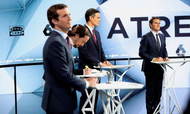 Harte Bandagen beim TV-Duell: Casado (links), Iglesias, Sanchez, Rivera.