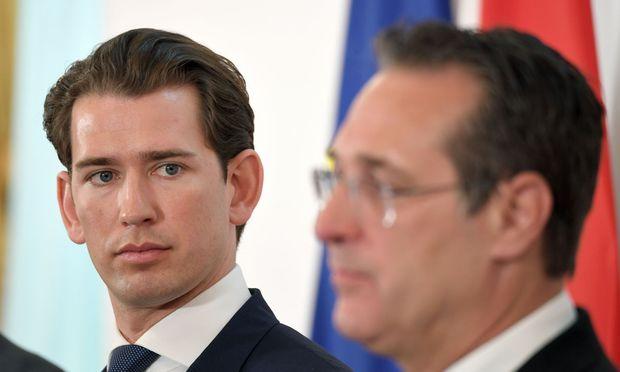 Kurz spricht gerade ein Machtwort nach dem anderen, weil die bräunlichen Eskapaden in der FPÖ beginnen, auch ihn zu beschädigen.