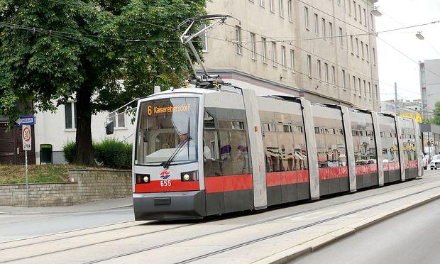 Eine Wiener Straßenbahnerin konnte oft nicht zum Dienst erscheinen