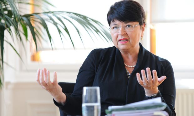 Renate Brauner sieht neue Schulden als Investitionen gegen die Krise.