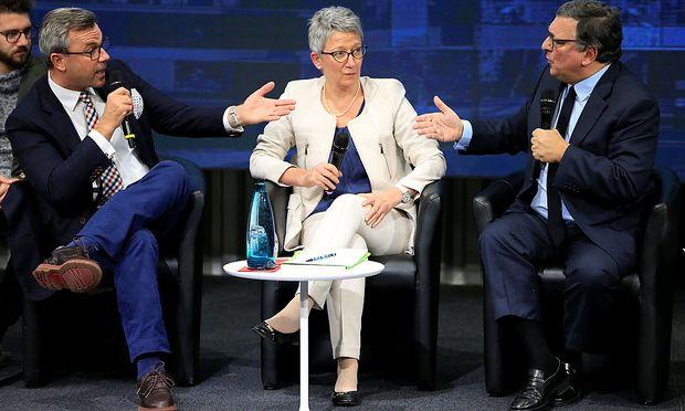Hofer und Barroso beim Talk in Genf.