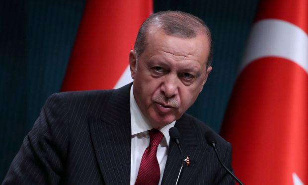 Präsident Recep Erdogan bekomme die Rechnung für seine Schuldenpolitik präsentiert