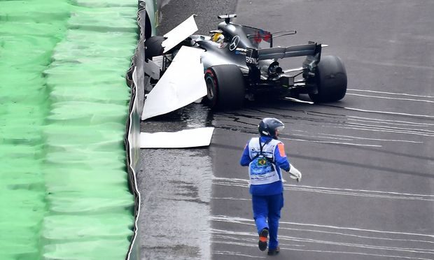 Crash von Lewis Hamilton