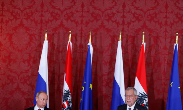 Wladimir Putin traf Bundespräsident Alexander Van der Bellen in der Hofburg.