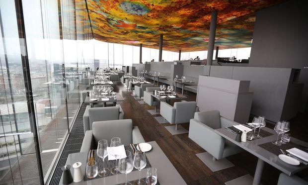 Dank der spektakulären Aussicht und der neu aufgestellten Küche läuft Das Loft im 18. Stock nun wieder.