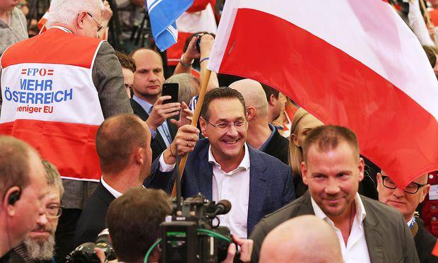 Vizekanzler Strache bei einer Kundgebung zum 1. Mai.