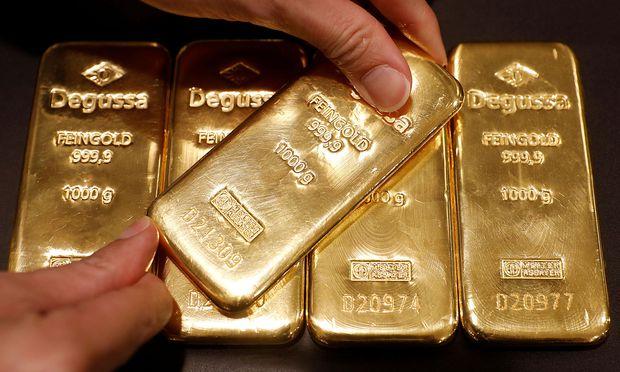 Je stärker die US-Währung ist, desto teurer wird der Kauf von Gold – das in Dollar notiert – für internationale Investoren.