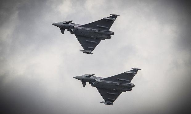 Archivbild: Zwei Eurofighter des österreichischen Bundesheeres
