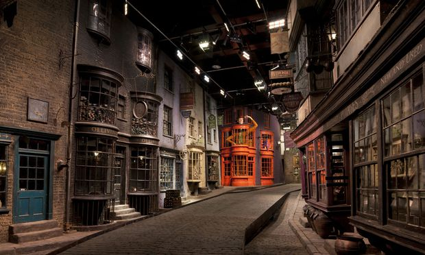 In der Welt von Harry Potter unterwegs, sprich in den Studios von Warner Bros. die Winkelgasse.