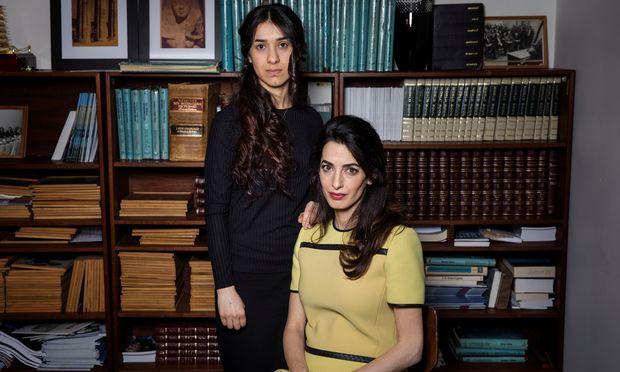 Die Jesidin Nadia Murad (l.) entkam dem sogenannten Islamischen Staat. Die Menschenrechtsanwältin Amal Clooney unterstützt die Aktivistin.