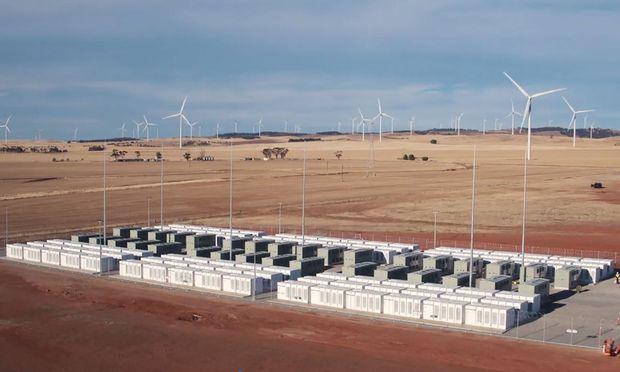 Tesla baute das weltgrößte Batteriesystem