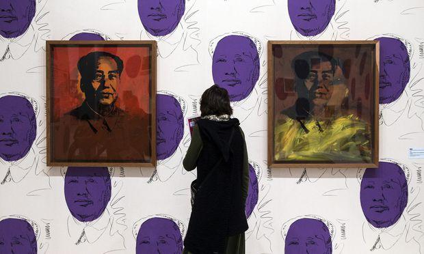 "Ohne Kritik ist Pop nichts anderes als Propaganda, so Georg Seeßlen. Andy Warhols ""Mao"" im Paris Modern Art Museum."