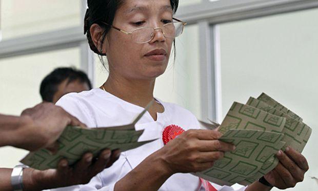 Burma Junta verhaengt nach
