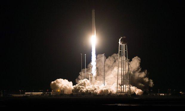 """Die """"Cygnus"""" flor Samstagfrüh Ortszeit in Richtung ISS."""