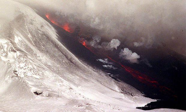 Archivbild: Lava beim Hekla im Jahr 2000.