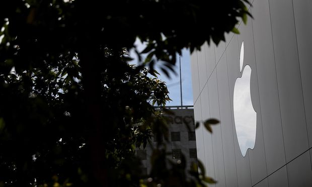 US-APPLE-REPORTS-QUARTERLY-EARNINGS