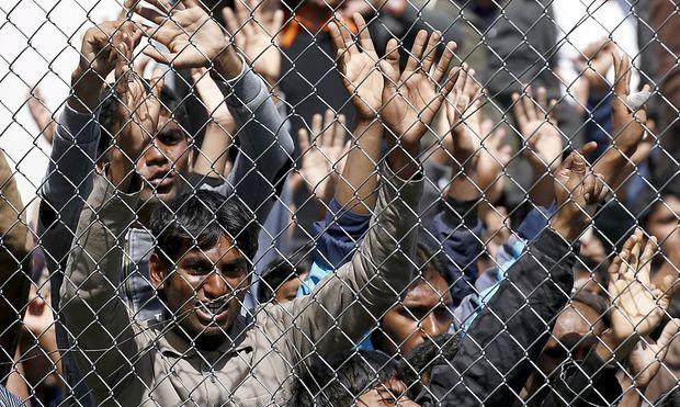 Zuwanderungswillige demonstrieren auf Lesbos gegen ihre Rückschiebung in die Türkei