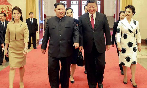Sein erster Besuch: Chinas Präsident Xi Jinping in Nordkorea eingetroffen