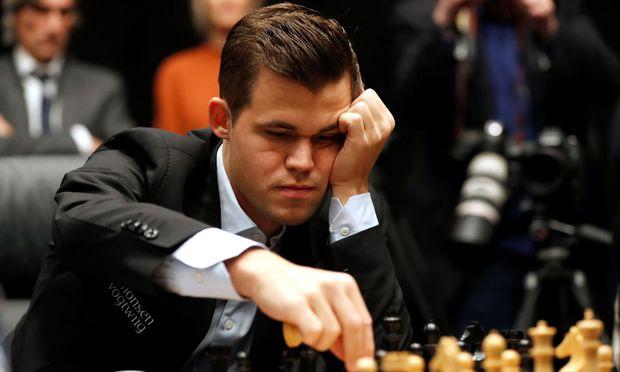 2018 World Chess Championship - Magnus Carlsen v Fabiano Caruana